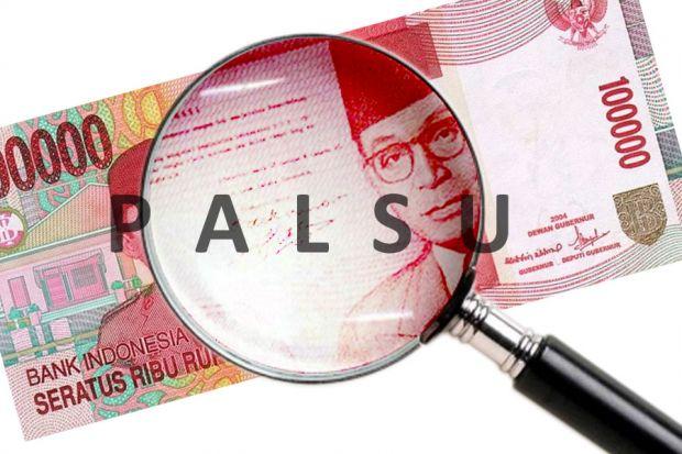 Cara Membedakan Uang Palsu - Foto : Korannonstop.com